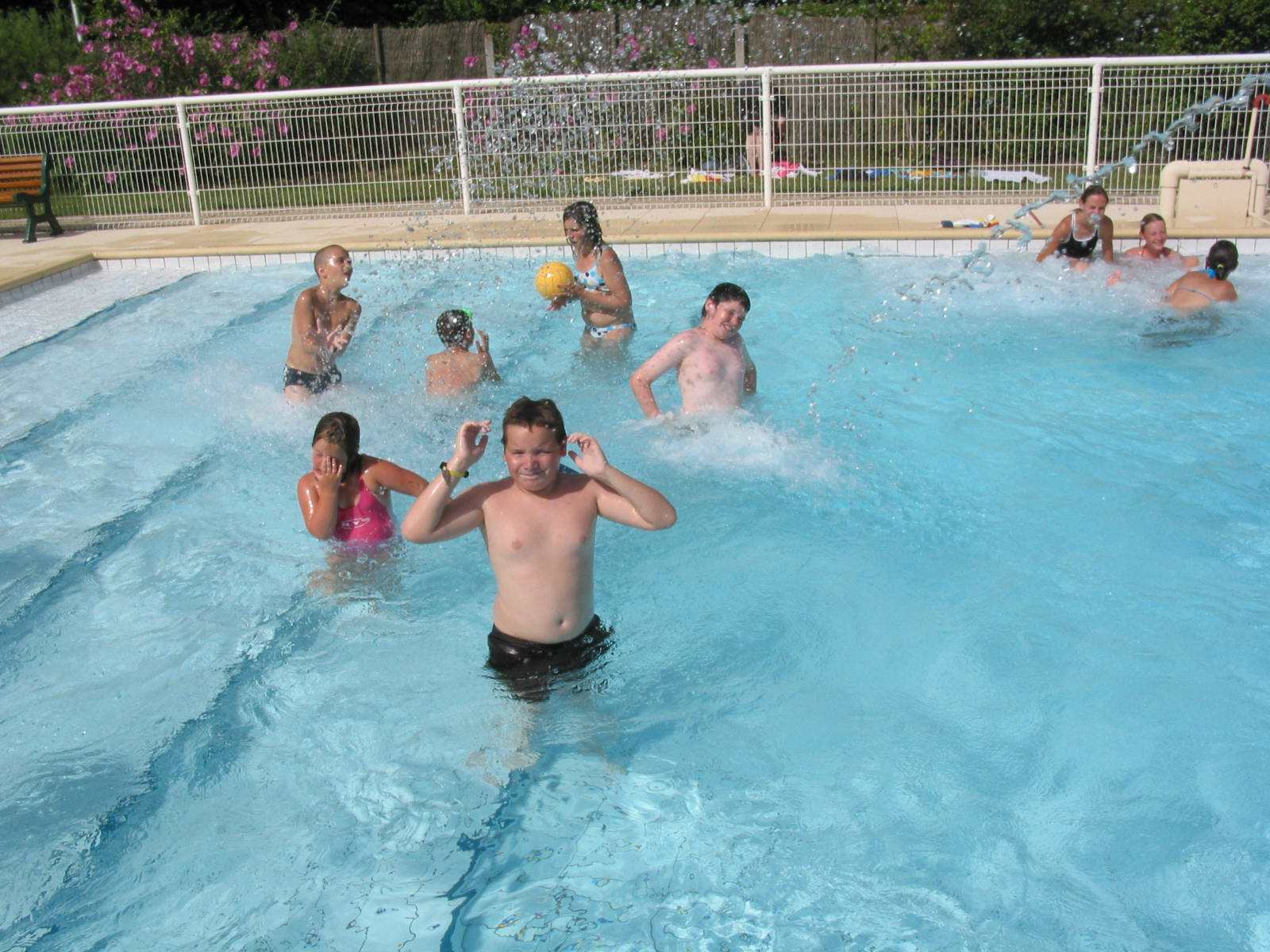 15 000 personnes ont fr quent la piscine aquaval en 2010 for Piscine aquaval