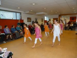 danse-maison de retraite2