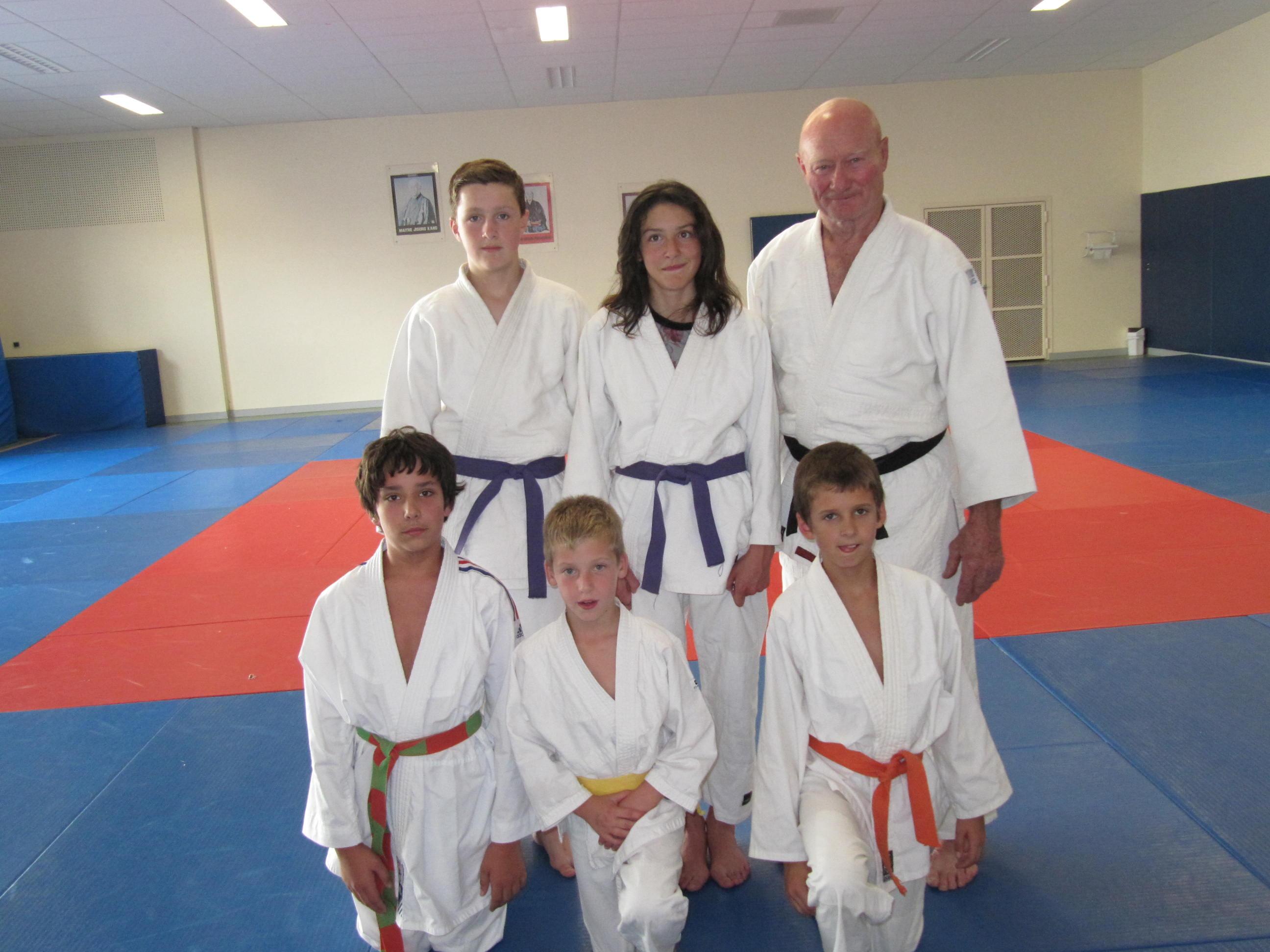fete-dusport+ag-tennis+basket+hand+zumba+judo 007 c15ab48e3248